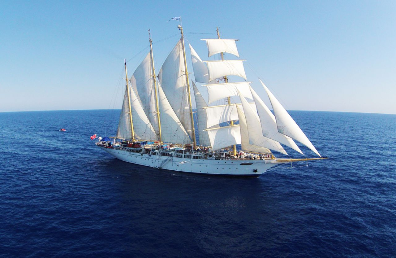 star-flyer-day-at-sea-pwt.jpg (142 KB)